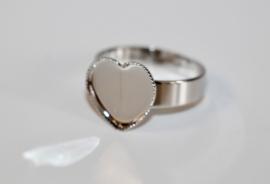 Ring zilverkleur 19 mm verstelbaar met setting hartvorm 12 mm