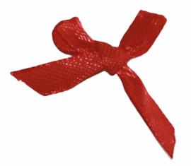 Strikjes satijn +/-35 mm x 40 mm, 6mm breed: rood