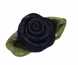 Roosje satijn met blad genaaid donker blauw 25x15 mm