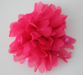 Stoffen bloem fuchsia met kraaltjes 10 cm