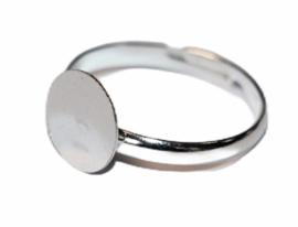 Verstelbare ring ca 17 mm zilverkleur met plakvlak 8mm