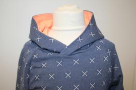 Trui blauw met witte kruisjes 104 - 122/128