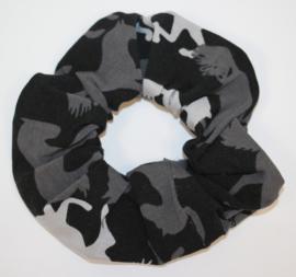 Scrunchie zwart-grijs paarden