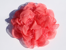 Stoffen bloem: chiffon/kant koraal 11 cm