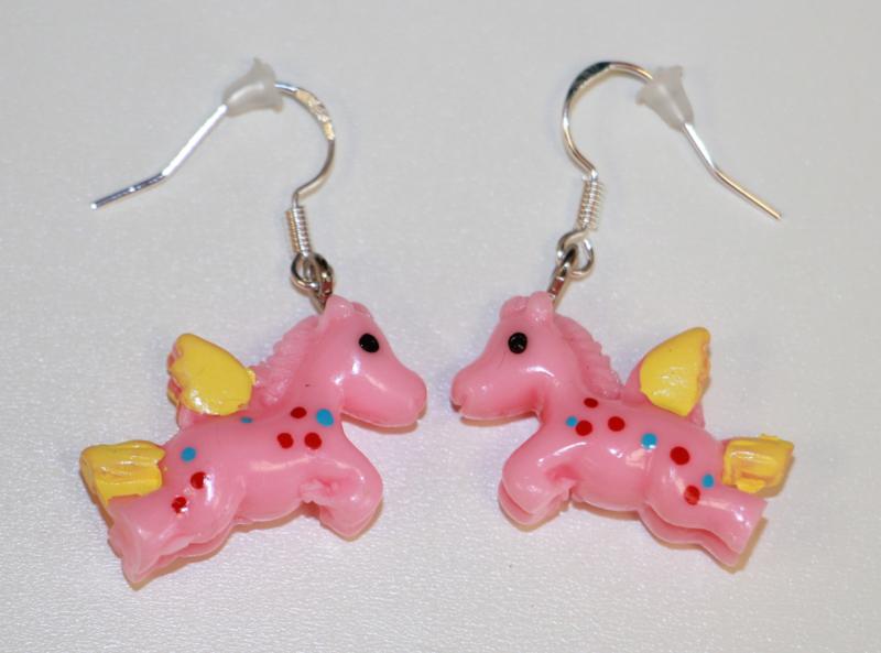 Oorbelletjes unicorn roze, zilver haakje