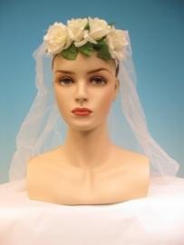 Diadeem bloemen en tule/ bruidssluier