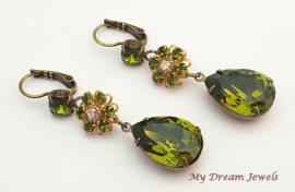 Oorhangers Vintage Swarovski Flower Olivine/Crystal AB