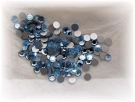 Swarovski 2000 platte steen Light Sapphire  7,1mm