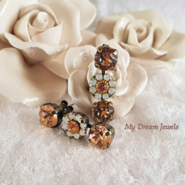 Oorstekers Triple Flower Vintage Swarovski White opal/Peach