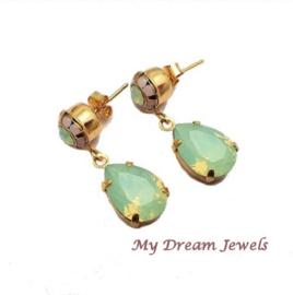 Vintage Style Oorstekers Swarovski Pastel Opal