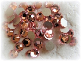 Swarovski 2028 platte steen Light Rose 6,2mm
