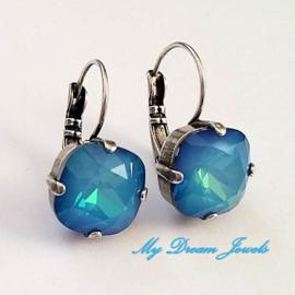 Swarovski Oorbellen Square White Opal Sky Blue