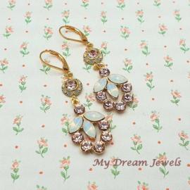 Oorhangers Vintage Swarovski Flower Vintage Rose/White Opal