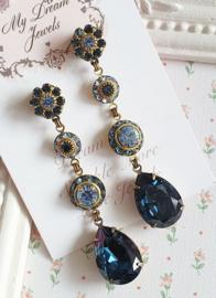 Lange Oorstekers Vintage Swarovski  Flower Blue Montana Sapphire