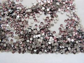 Swarovski 2028 platte steen Light Rose Satin 2,6mm per 12 stuks
