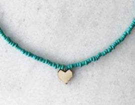 Short beaded necklace with heart - Turquoise
