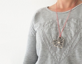 Necklace Wire Heart coral