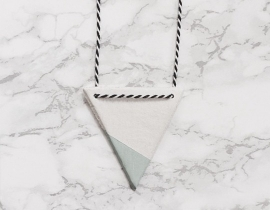 Necklace Triangle mint