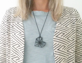 Necklace 'Very Black'