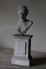 Borstbeeld op Sokkel -Il Cupido-