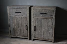 Nachttische altes Holz (rechts)