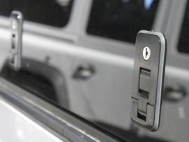 Mercedes Benz Gelandewagen Gullwing Window / Left Hand Side Glass - door Front Runner