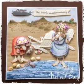 Geen zon vandaag, dan maar schelpen zoeken... Made by Nel v/d Burg