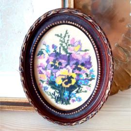 Borduurtje viooltjes