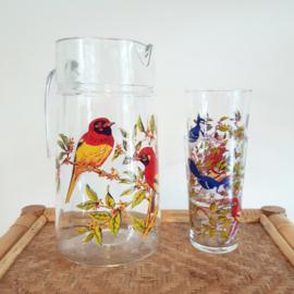 Limonadekan en glazen vogels