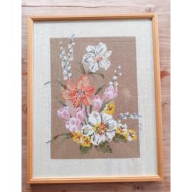 Borduur voorjaarsbloemen