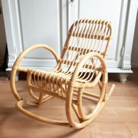 Rotan kinderschommelstoel