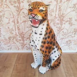 Vintage beeld luipaard kunsthars