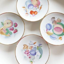 Ontbijtbordjes met fruitafbeelding