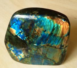 labradorite pierre forme libre