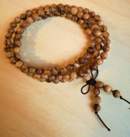 Chaîne de prière Mala en bois d`Agila