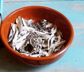 Plat de poterie portugaise