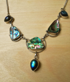 Collier coquille d`ormeau