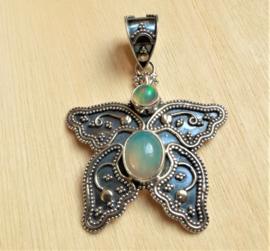 Pendentif papillon en argent et Opale