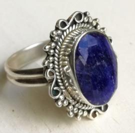 Edelsteen ring Saffier