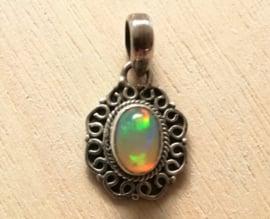 Opaal hanger 925 zilver