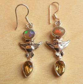 Uil oorbellen opaal