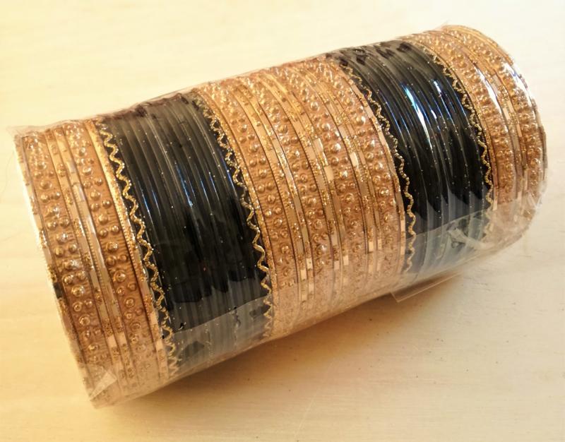 Indiase bangle armband zwart met goud