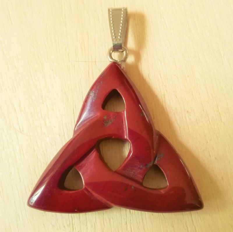 Triskelion hanger