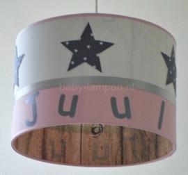 Kinderlamp met naam roze wit grijze naai sterren en steigerhout stof