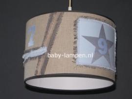 kinderlamp stoer beige lichtblauw zilver ster en cijfers