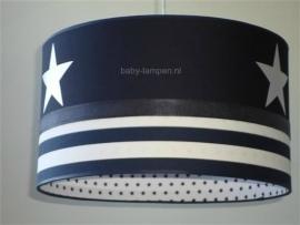 kinderlamp donkerblauw grote witte sterren strepen en kleine sterretjes