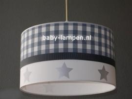 kinderlamp grijs ruitje en zilveren sterren