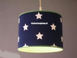 kinderlamp donkerblauw witte sterren en limegroen ruitje