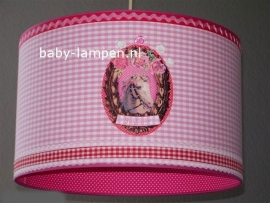 Kinderlamp paard met naam en roze klein ruitje