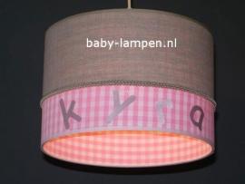 kinderlamp met naam effen beige en roze ruitje